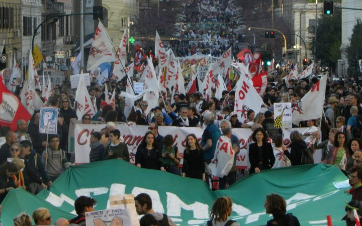 Roma: La grande invasione pacifica di 100.000 NO TAV