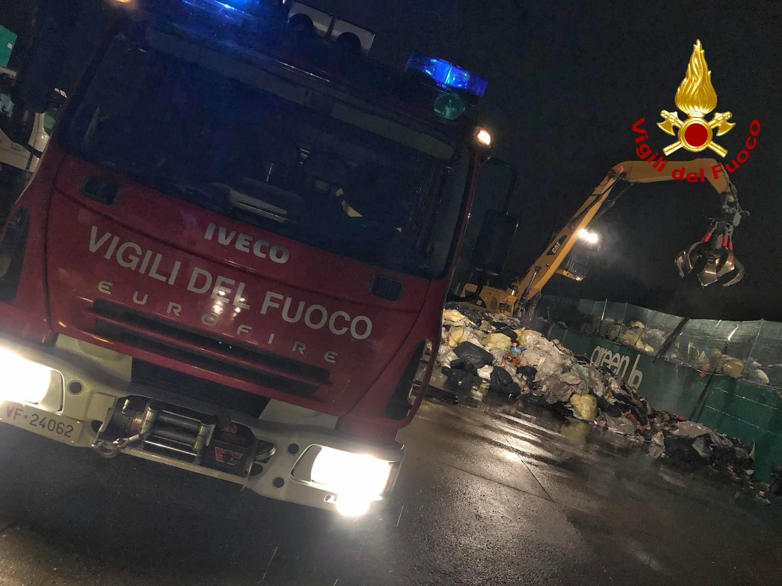 Collegno: incendio in Via Villa Cristina