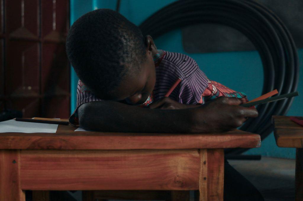 Abbiamo riso per una cosa seria: raccolta fondi per Tengo al Togo – La parola a Ciro Cirillo