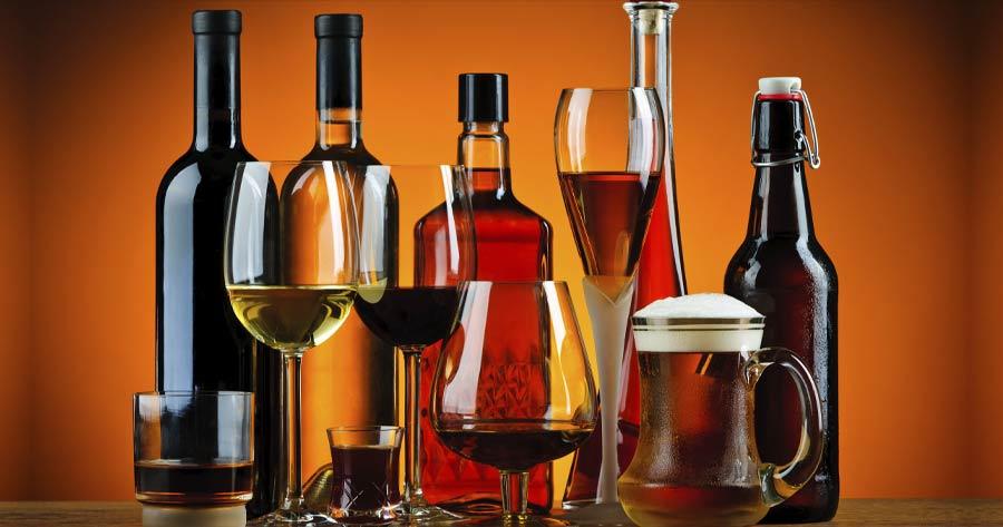 """""""La parola all'esperto"""": l'alcol. Ai nostri microfoni la dietista Chiara Caffo"""
