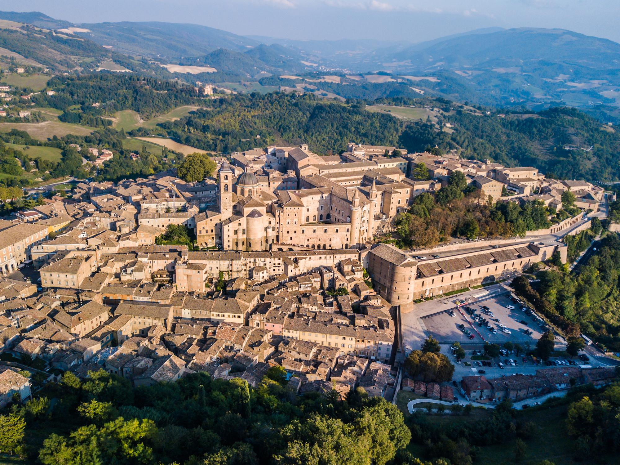 """""""Destinazione Mondo"""": Italia centrale. Ai nostri microfoni la Personal Travel Expert Roberta Polveraccio"""